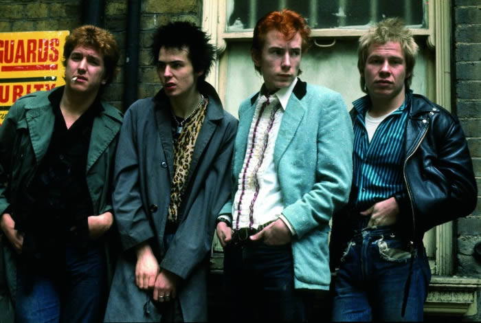 Sex Pistols en Oxford Street: ADRIAN BOOT.