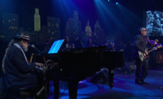 Vídeo: Elvis Costello y Dr. John rinden homenaje a Fats Domino