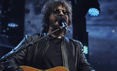 'Turn To Stone', vídeo de Jeff Lynne's ELO