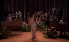 Vídeo: Florence + The Machine interpretan en televisión 'Hunger'