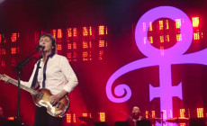 Vídeo: Homenaje de Paul McCartney a Prince en Minneapolis