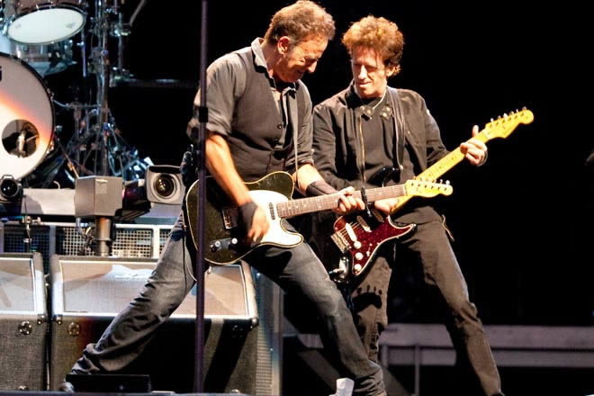 Kantu berria estreinatu du Bruce Springsteenek, New Jerseyn zuzenean jasotako abestia