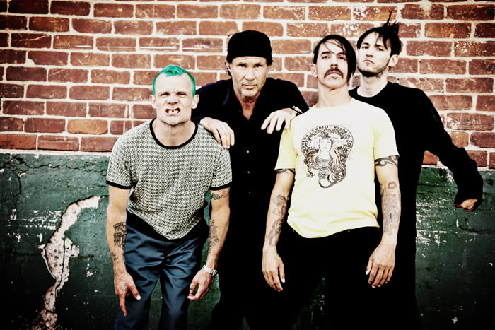 Red-Hot-Chili-Peppers-19-05-16