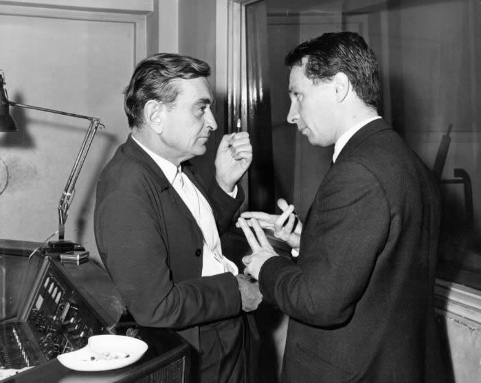 David Lean (izquierda) charlando con David Jarre (derecha).