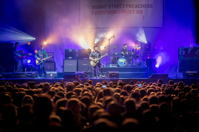 manic-street-preachers-09-05-16-b
