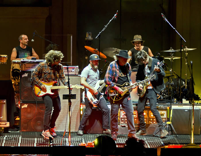 neil-young-14-06-16