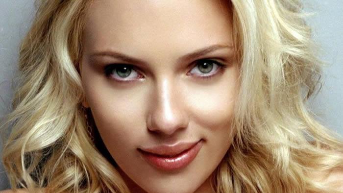Scarlett Johansson versiona a New Order
