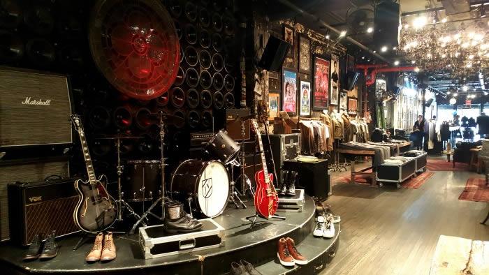 ruta-nueva-york-punk-cbgb-escenario-11-10-16-l