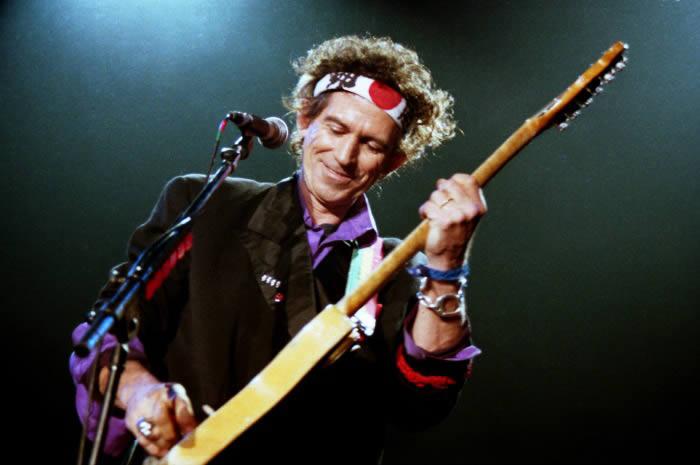 Keith Richards en un directo que ofreció el 10 de diciembre de 1992 en la sala Zeleste de Barcelona.