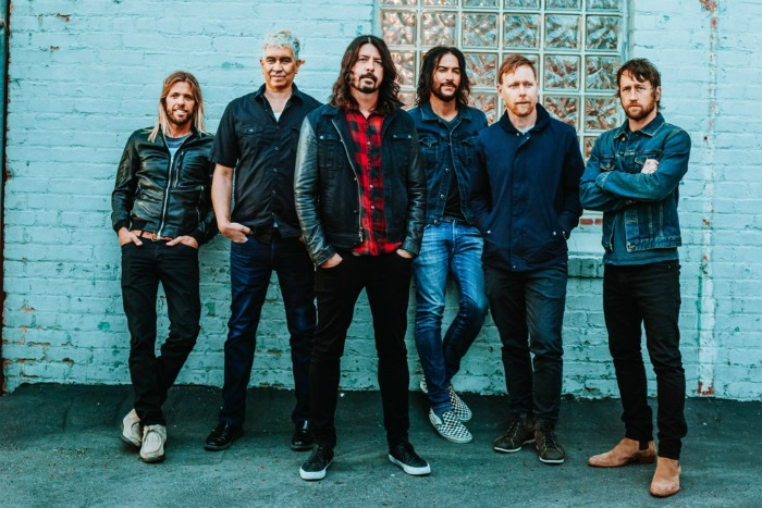 foo-fighters-19-09-17-a