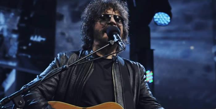 'Turn To Stone', vídeo de Jeff Lynne's ELO
