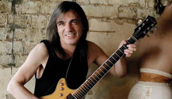 malcolm-young-18-11-17