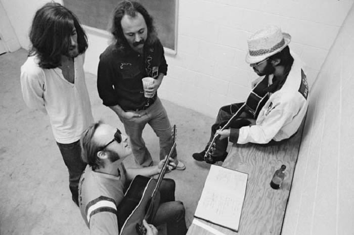 crosby-stills-nash-young-26-08-18