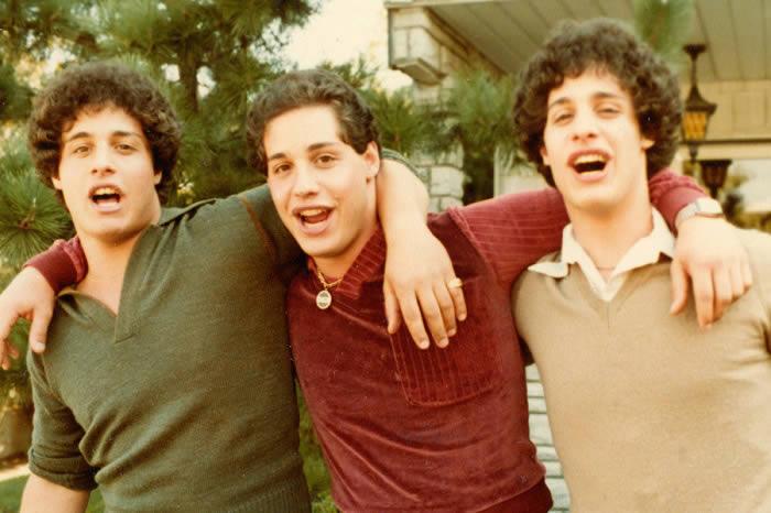 tres-identicos-desconocidos-15-02-19-a