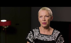 "Vídeo: Annie Lennox presenta ""Requiem for a private war"", su primera canción en ocho años"