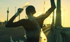 """""""La gran estafa"""" es el nuevo vídeo de Bunbury"""