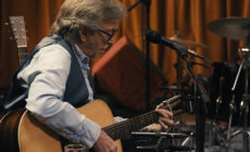 Eric Clapton presenta dos vídeos de <i>The lady in the balcony: Lockdown sessions</i>