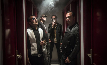 Inadaptados, la banda que debutó treinta años después de formarse