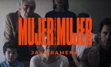 """En su nuevo vídeo, Javiera Mena versiona """"Mujer contra mujer"""" de Mecano"""