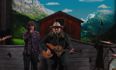 Vídeo: Jeff Tweedy interpreta en televisión 'Let's Go Rain'