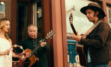 'Knockin' On Your Screen Door', vídeo de John Prine con Margo Price, Jason Isbell y Dan Auerbach
