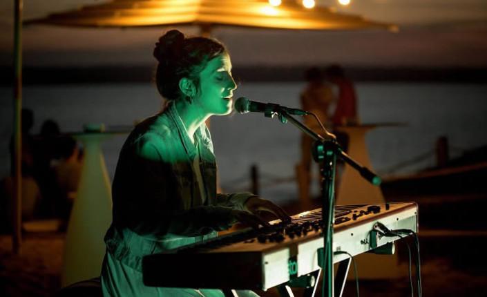 Conciertos, misterio y piscinazos en el último festival del verano