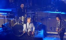 "Vídeo: Paul McCartney, Ringo Starr y Ron Wood cantan ""Get back"""