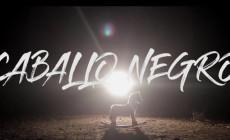 Miguel Campello presenta 'Caballo negro', vídeo de adelanto de su próximo disco