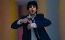 """Paul McCartney rejuvenece en su nuevo vídeo, """"Find my way"""""""