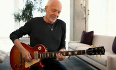 "Peter Frampton versiona ""Isn't it a pity"" de George Harrison"