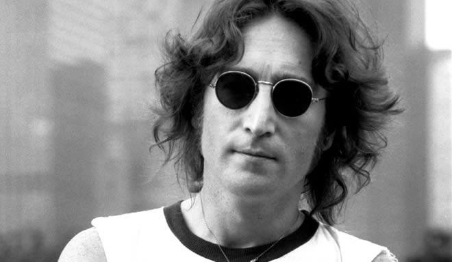Salen a subasta dos hojas de partes de castigos escolares de John Lennon