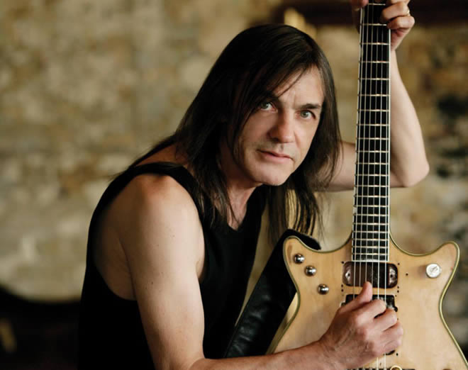malcolm-young-16-04-14