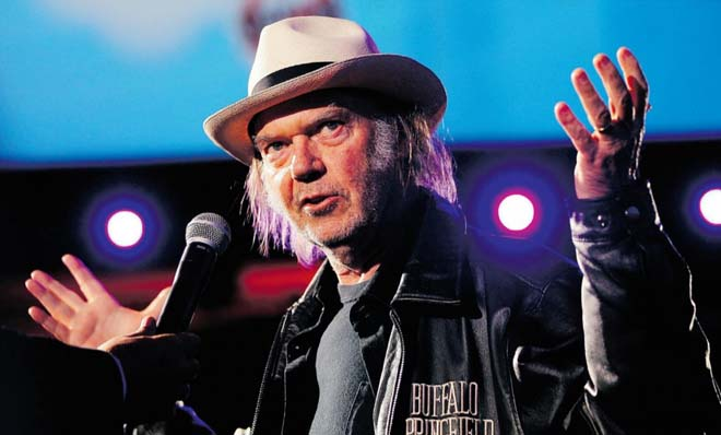 neil-young-08-01-15