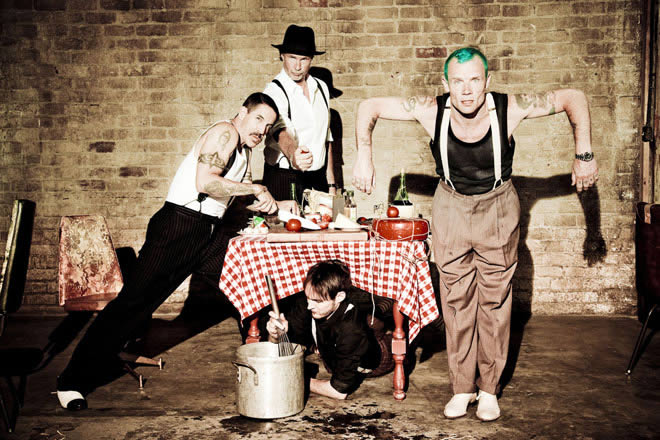 red-hot-chili-peppers-18-05-14